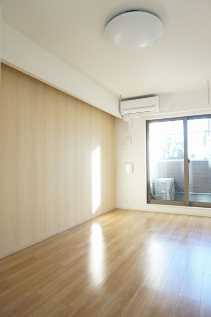 セピア 01010号室の居室