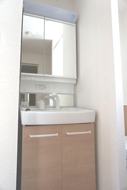 セピア 01010号室の洗面所