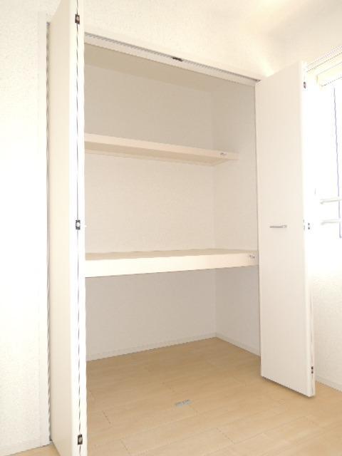 ルミエールⅡ 02010号室の玄関