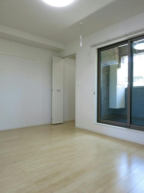 アップル 02040号室のベッドルーム