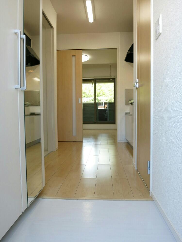 アップル 02040号室の玄関