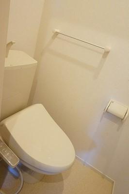 エム・シャルム鶴市Ⅱ 02040号室のトイレ