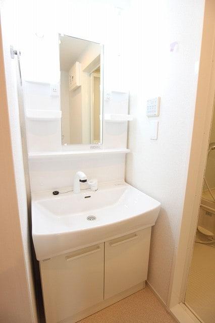 カファーラⅠ 02030号室の洗面所