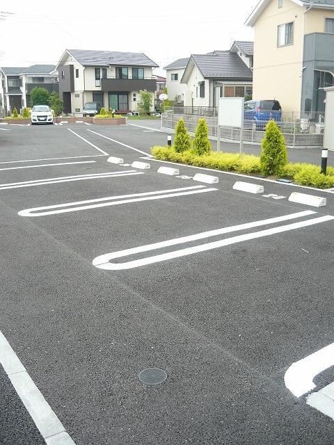 カファーラⅠ 02030号室の駐車場