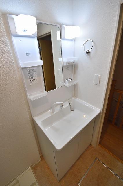 ヴィオラⅠ 02050号室の洗面所