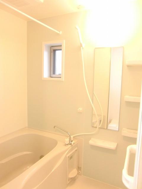 N.グラシオッソ トレス 01020号室の風呂
