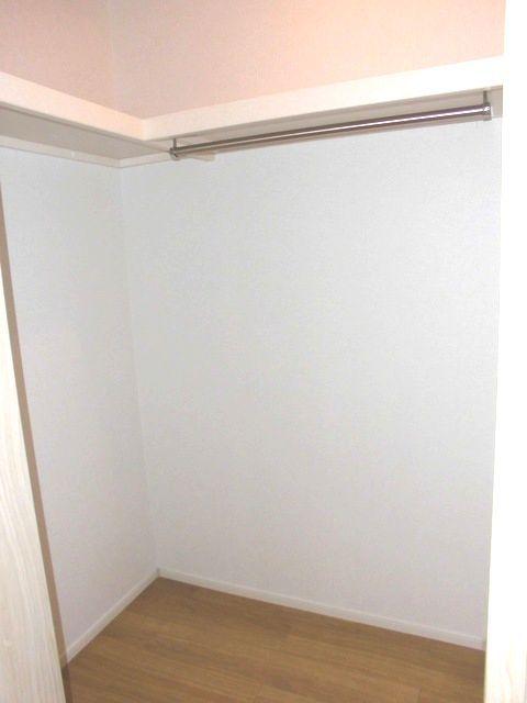 ライツ与野鈴谷 01010号室の収納