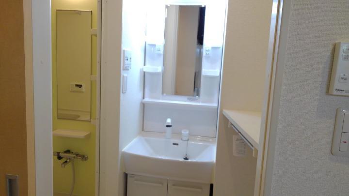 エスポアール 01030号室の洗面所