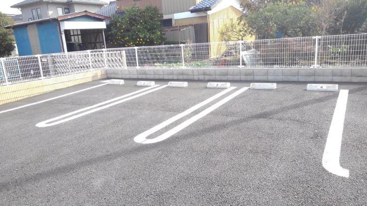 エスポアール 02010号室の駐車場