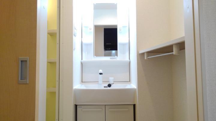 エスポアール 02030号室の洗面所