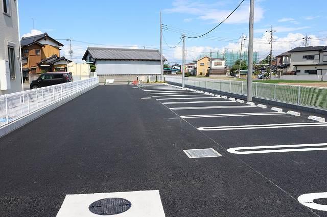 レクタ加須 02020号室の駐車場