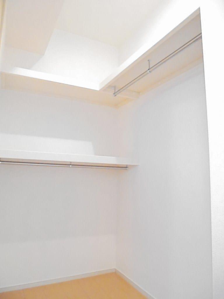 ピースフルA 01030号室の収納