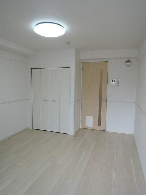 セレノ・コリーナ・ダイマチ 02020号室の居室