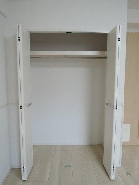 セレノ・コリーナ・ダイマチ 02020号室の収納