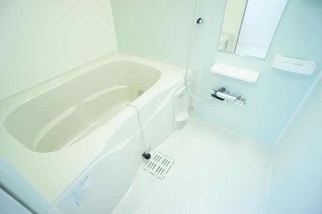 ガーデンハウスM 01030号室の風呂