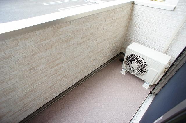 ガーデンハウスM 01030号室のバルコニー