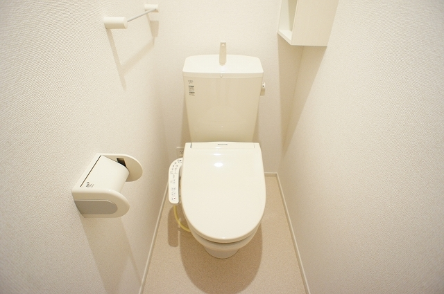 ガーデンハウスM 01030号室のトイレ