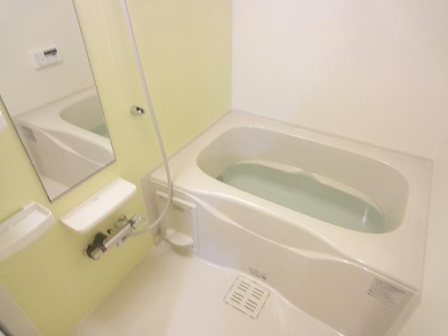 エテルノ・フィオーレ A 01020号室の風呂