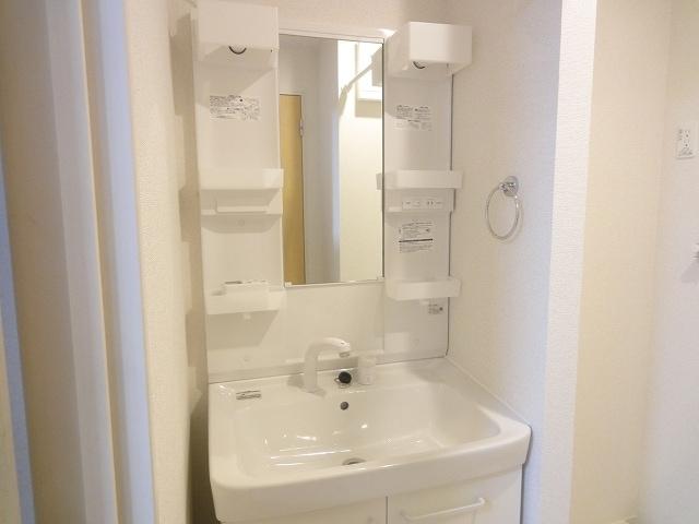 エテルノ・フィオーレ A 01020号室の洗面所