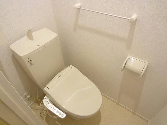 エテルノ・フィオーレ A 01020号室のトイレ