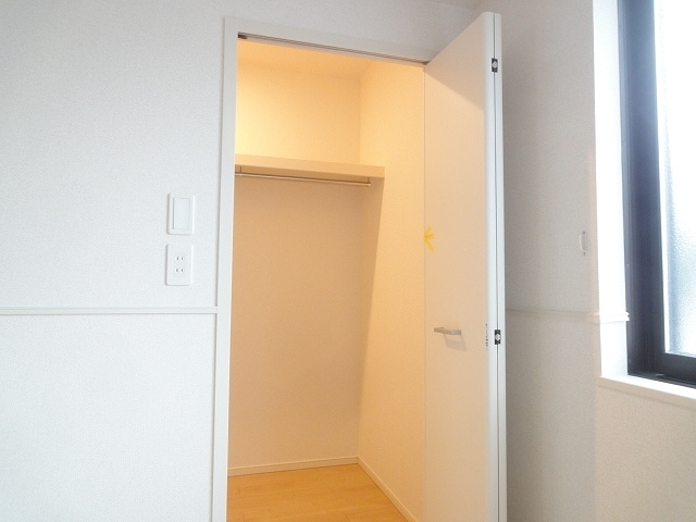 エテルノ・フィオーレ A 01020号室の収納
