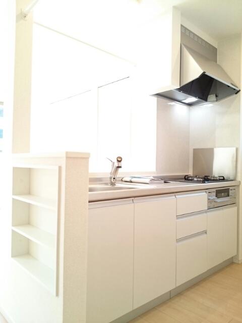 アンソレイエⅢ 02010号室のキッチン