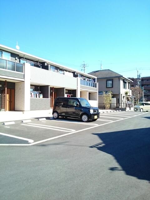 アンソレイエⅢ 02010号室の駐車場