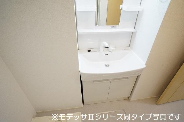 リベルテ ビラージュ 01020号室の洗面所