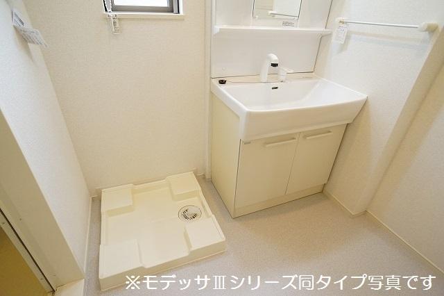 リベルテ ビラージュ 02040号室の洗面所