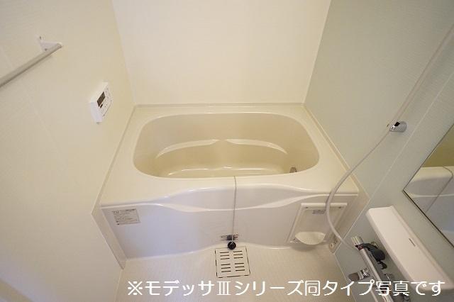 リベルテ ビラージュ 02040号室の風呂