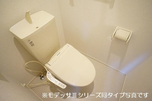 リベルテ ビラージュ 02040号室のトイレ