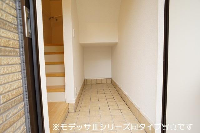 リベルテ ビラージュ 03020号室の玄関