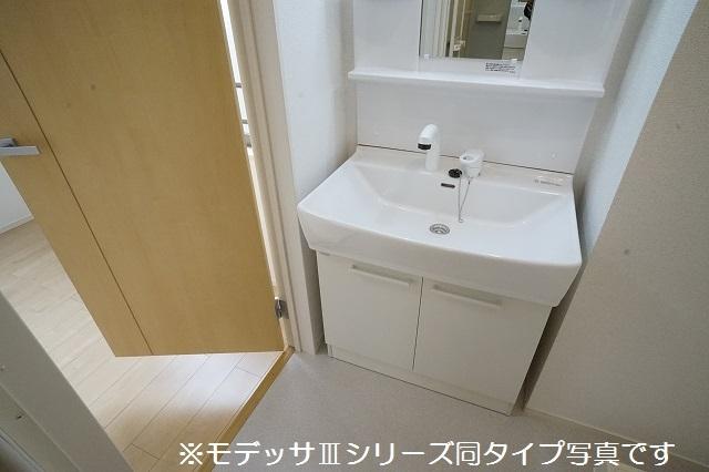 リベルテ ビラージュ 03040号室の洗面所