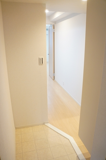 フィオーレ静 01030号室の玄関