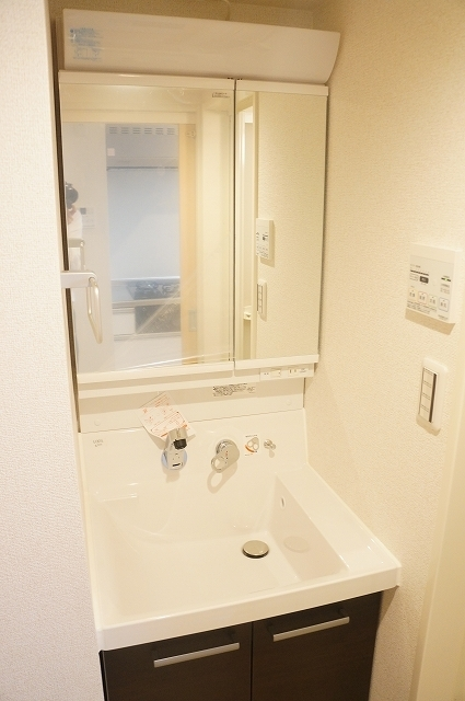 フィオーレ静 02030号室の洗面所