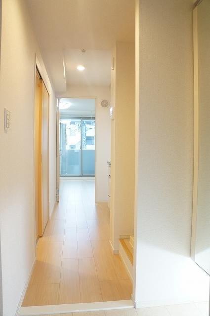 フィオーレ静 02030号室の玄関