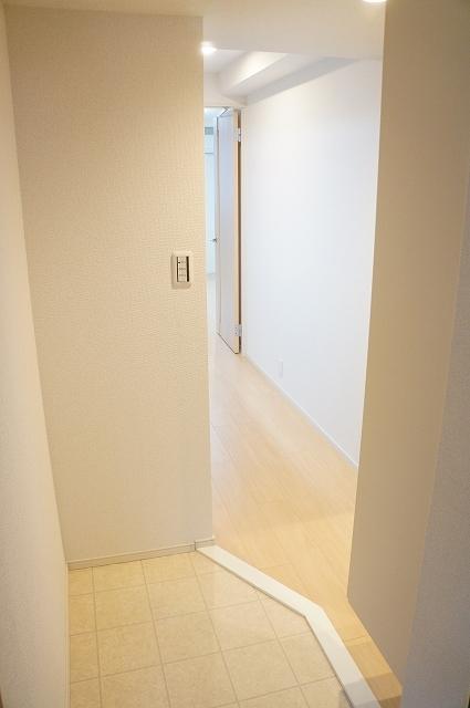 フィオーレ静 02040号室の玄関