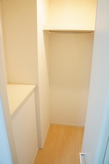 フィオーレ静 04020号室の収納