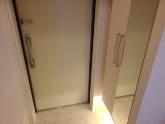アムール レヴール 05040号室の玄関