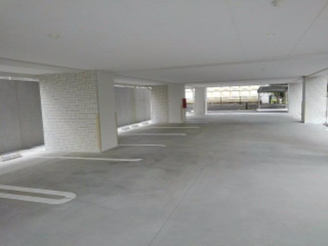 アムール レヴール 05040号室の駐車場
