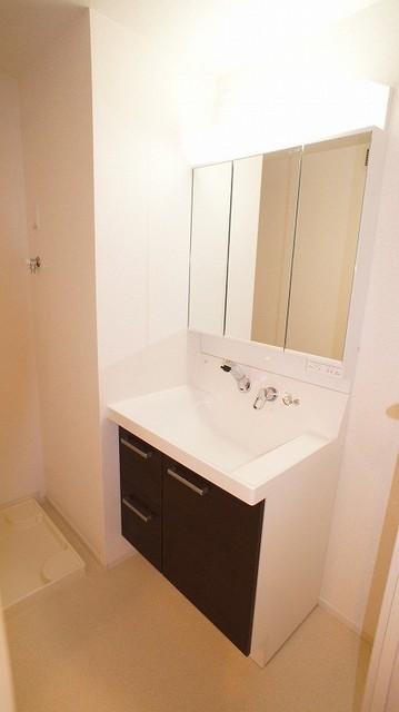 あかやま参番館 02080号室の洗面所