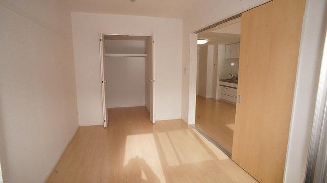 あかやま参番館 02080号室の居室