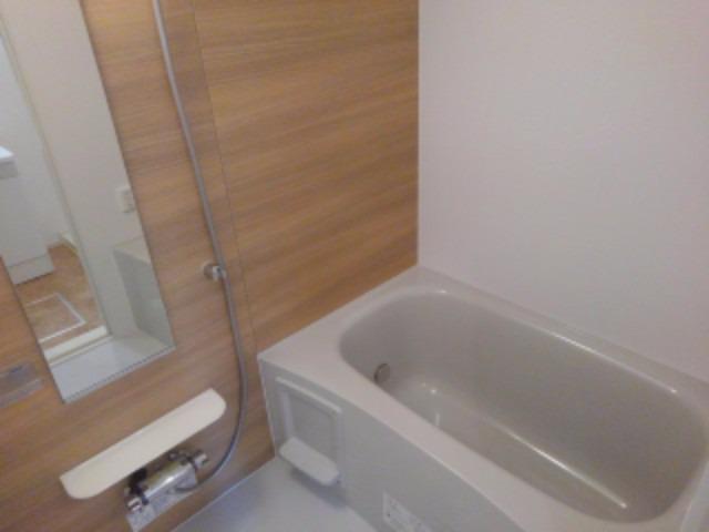 アンジェーヌ・ノア 02010号室の風呂