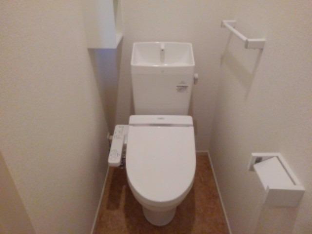 アンジェーヌ・ノア 02010号室のトイレ