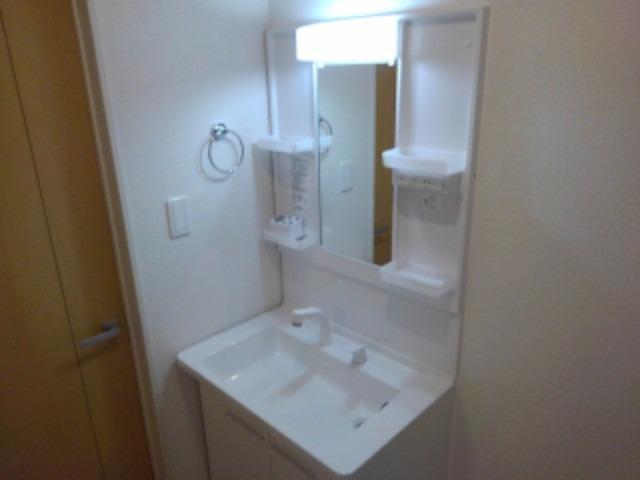 アンジェーヌ・ノア 02040号室の洗面所