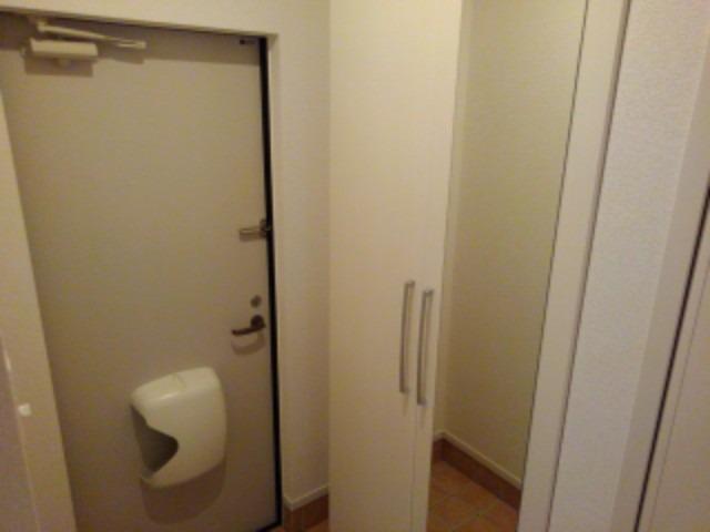 ラフレシール花見Ⅰ 01030号室の玄関