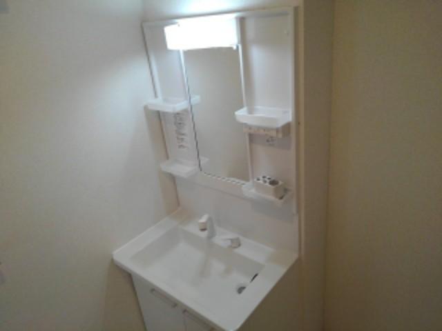 ラフレシール花見Ⅰ 01030号室の洗面所