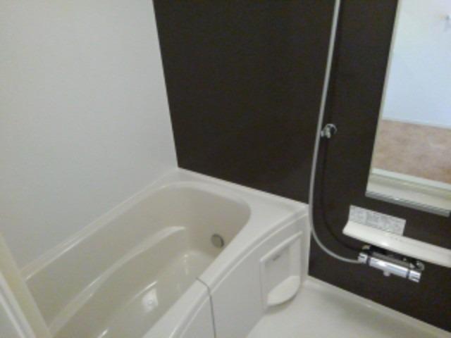 ラフレシール花見Ⅱ 01030号室の風呂