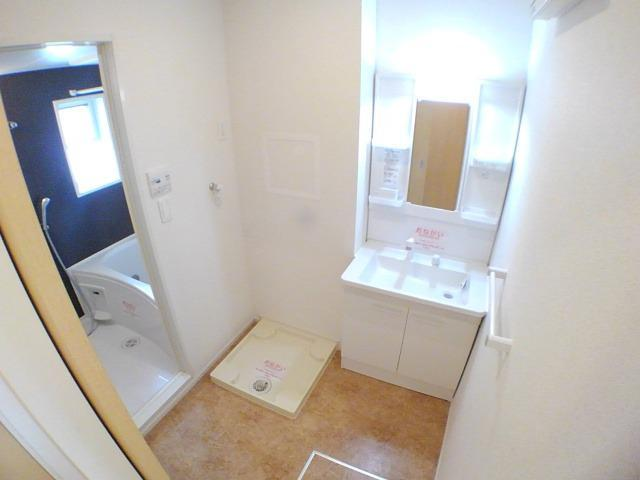 ラフレシール花見Ⅱ 02010号室の洗面所