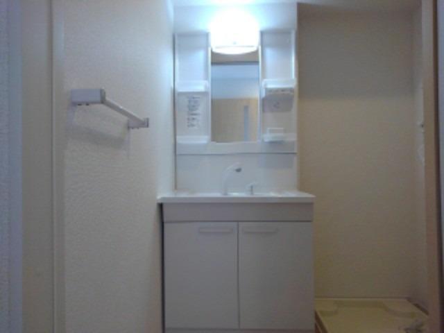 ラフレシール花見Ⅲ 01040号室の洗面所
